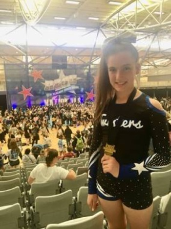BAY TWISTERS CHEER CLUB NATIONAL CHEERLEADING SUCCESS